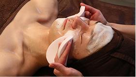ダブル洗顔で肌の汚れを取り除く
